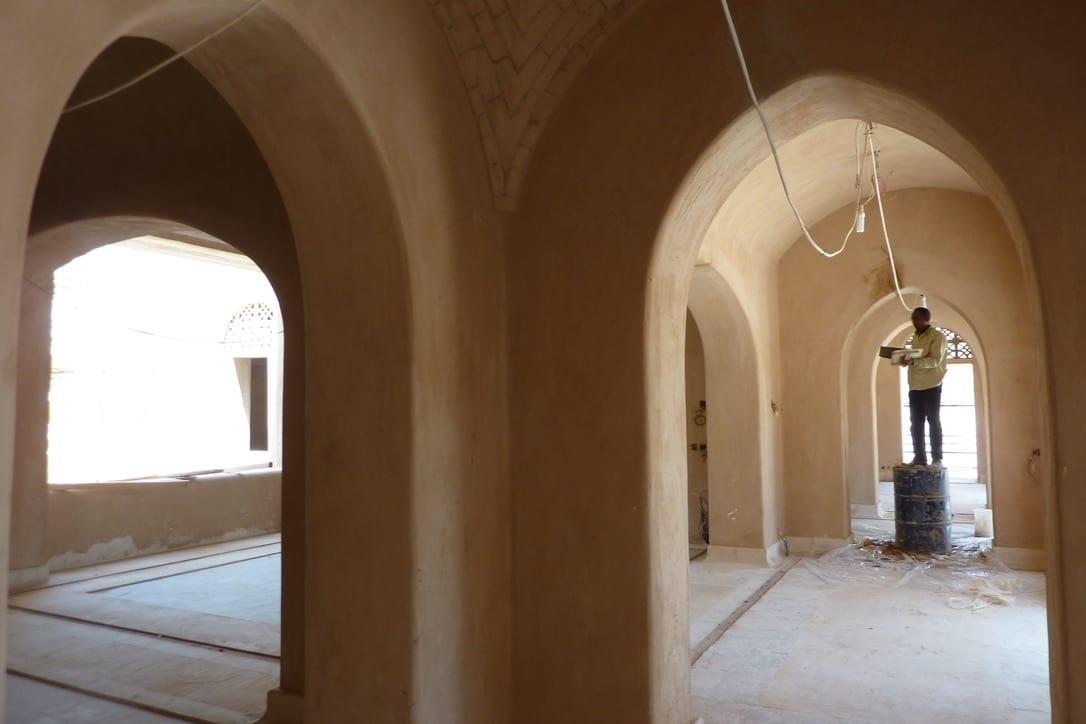 Leem Paleis in de woestijn gebogen plafond in basisleem